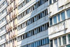 Byggnad i Petržalka, Bratislava, Slovakien Arkivbild