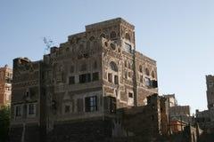 Byggnad i Sanaa, Yemen Royaltyfri Foto