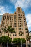 Byggnad och palmträd på den Pershing fyrkanten, i i stadens centrum Los Ange Royaltyfria Foton