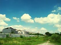 Byggnad och sky fotografering för bildbyråer