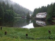 Byggnad på lagun Arkivfoto