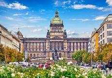 Byggnad Prague för nationellt museum på Wenceslas Square royaltyfri fotografi