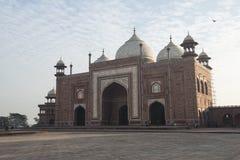 Byggnad runt om Tal Mahal agra india Fotografering för Bildbyråer