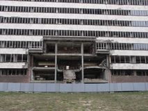 Byggnad som förstörs av NATO i Belgrade, Serbien Arkivfoton