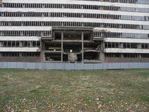 Byggnad som förstörs av NATO i Belgrade, Serbien Arkivbilder