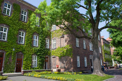 Byggnaden är ett gammalt österrikiskt sjukhus Arkivfoto