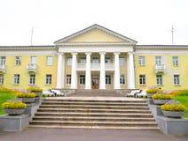 Byggnaden är i stilen av Stalin Fotografering för Bildbyråer