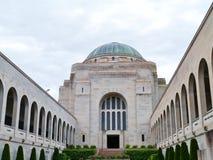 Byggnaden av den australiska krigminnesmärken Arkivfoto