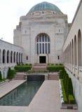 Byggnaden av den australiska krigminnesmärken Arkivbilder