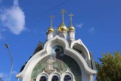 Byggnaden av den ryska ortodoxa kyrkan i Moskva Royaltyfri Fotografi