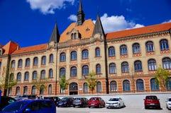 Byggnaden av den statliga ien för ¾ för breÅ för ¡ för teknikhögstadiumFajnorovo nÃ, Bratislava, Slovakien royaltyfria bilder
