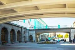 Byggnaden av järnvägsstationen Arkivfoto