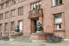 Byggnaden av universitetet av Freiburg arkivfoto