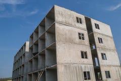 Byggnaden göras av fabrikstillverkat delarna till Arkivbilder