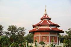 Byggnaden i kinesisk stil Royaltyfria Bilder