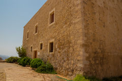 Byggnaden inom den Fortezza slotten Arkivfoto