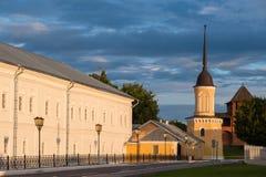 Byggnadens helhet av domkyrkafyrkanten i den Kolomna Kreml Kolomna Ryssland Arkivfoto