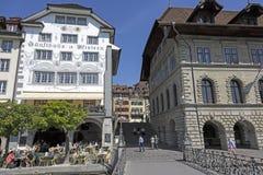Byggnader av den gamla staden av Lucerne Fotografering för Bildbyråer