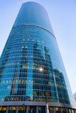 Byggnader av den moderna affärsmitten Arkivfoton