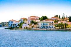 Byggnader av den Spetses ön Royaltyfria Bilder