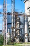 Byggnader av en övergiven spritfabrik fotografering för bildbyråer