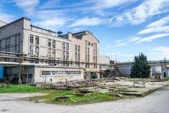 Byggnader av en övergiven spritfabrik royaltyfri bild