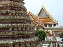 Byggnader av Wat Pho, Bangkok, Thailand Royaltyfri Bild