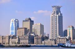 byggnader bund historiska moderna shanghai Arkivbild