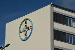 Byggnader för Bayer Pharma AG, administrations- och laboratoriumav Bayer sjukvårdläkemedel i Berlin, Tyskland arkivbild