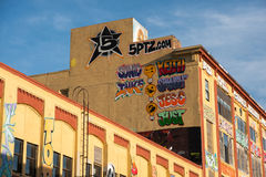 byggnader för grafitti 5Pointz i New York Arkivbilder