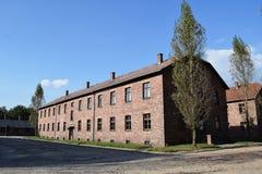 Byggnader för röd tegelsten har mycket att berätta royaltyfri foto