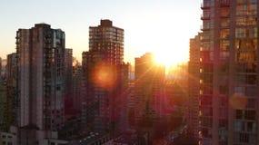 Byggnader för soluppgångVancouver highrise Arkivbilder