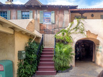 Byggnader i Adventureland på Disneyland parkerar arkivbild