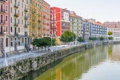 Byggnader i den Bilbao staden Arkivbilder