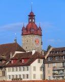 Byggnader i den gamla staden av Lucerne, Schweiz Arkivfoto