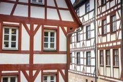 Byggnader i den tyska staden av nuremberg Arkivfoto