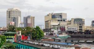 Byggnader i det Baclaran området, Manila, Filippinerna royaltyfri fotografi