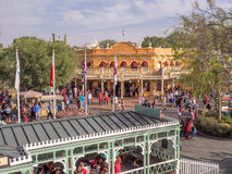 Byggnader i Frontierland på Disneyland parkerar arkivbilder