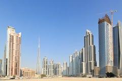 Byggnader i i stadens centrum Dubai - Burj Khalifa Royaltyfria Bilder