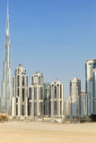 Byggnader i i stadens centrum Dubai - Burj Khalifa Arkivbild