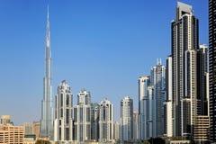 Byggnader i i stadens centrum Dubai - Burj Khalifa Royaltyfri Fotografi