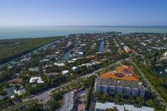 Byggnader i Key Biscayne Florida royaltyfria bilder