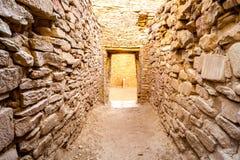 Byggnader i nationellt historiskt för Chaco kultur parkerar, NM, USA royaltyfri foto