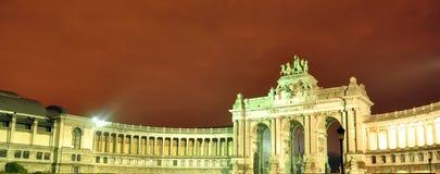 Byggnader i nattsamlingen 8 Arkivfoton