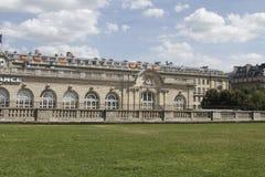 Byggnader i Paris Royaltyfria Foton