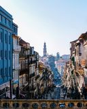 Byggnader i porto Portugal arkivfoton