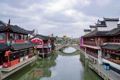 Byggnader i Qibao den forntida staden Arkivfoto