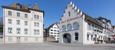 Byggnader i Rapperswil den gamla staden Royaltyfri Foto
