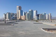 Byggnader i staden av Fujairah Royaltyfria Bilder