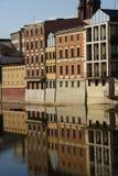 byggnader near floden Arkivbilder